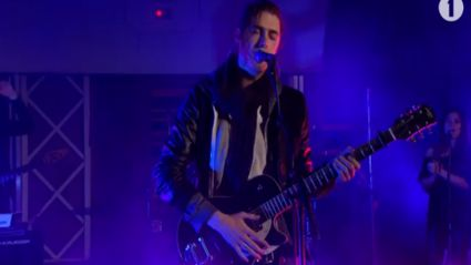 Hozier covers Ariana Grande's 'Problem' and nails it!