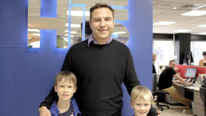 Flynny's sons Jack (left) and Leo (right) with David Walliams