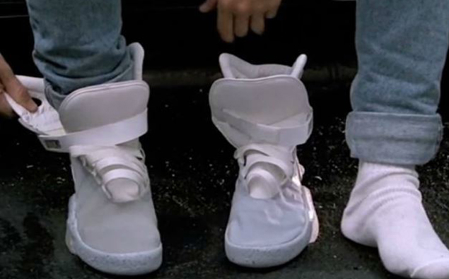the best attitude 10f31 55a1b Michael J Fox Was Gifted A Real-Life Pair Of Self-Lacing Shoes