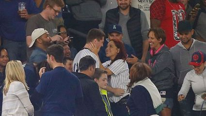 Video: Man Loses Engagement Ring While Proposing at Baseball Game but The Outcome is Beautiful