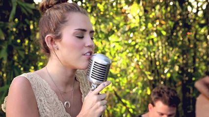 Miley Cyrus Singing 'Jolene' Will Blow You Away!