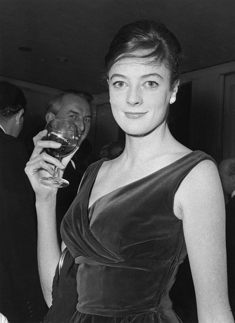 Maggie Smith at the Evening Standard Theatre Awards, London, 25th January 1962. (Photo by Evening Standard/Hulton Archive/Getty Images)