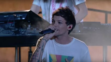 One Direction star Louis Tomlinson performs emotional tribute just days after his mum's death
