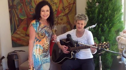 The Real Housewives of Auckland's Champagne lady has released a Christmas song!