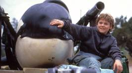 Remember the kid from Free Willy? He's all grown up now - and a total hottie!