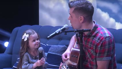 Adorable daddy-daughter singing duo perform on 'Ellen'