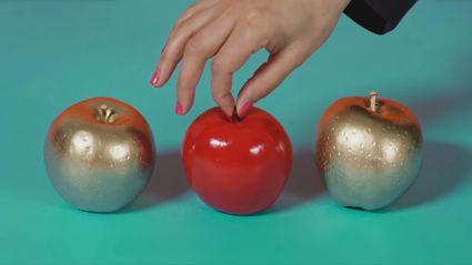 Anna Coddington - Apples