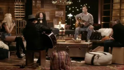 Alicia Keys, Adam Levine, Gwen Stefani and Blake Shelton deliver an EPIC acoustic cover of TLC's 'Waterfalls'