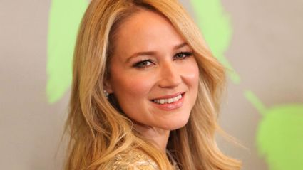 Stace talks to singer-songwriter Jewel about turning down $1million
