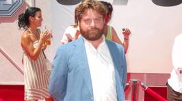Zach Galifianakis shows off dramatic weight loss