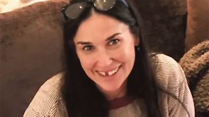 Can your teeth really fall out from stress like Demi Moore's did?