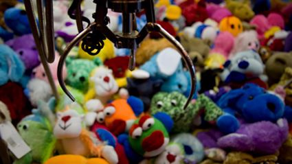If you've ever used a 'claw machine' you'll definitely want to see this...