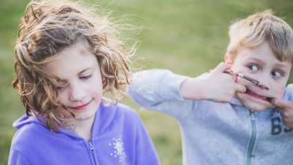 New study proves younger siblings are the funniest