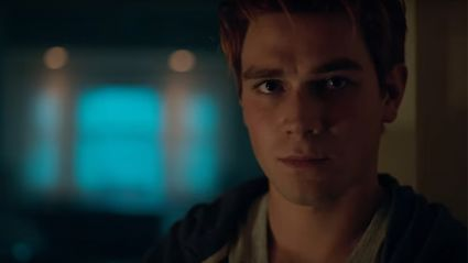 The first trailer for season 2 of 'Riverdale' has just been released and it's getting pretty intense!