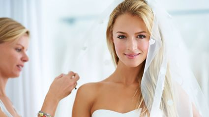 Bridezilla holds 'auction' for the most outrageous reason!