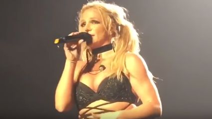 Britney Spears shocks fans by singing a cover of Bonnie Raitt's 'Something To Talk About' live!