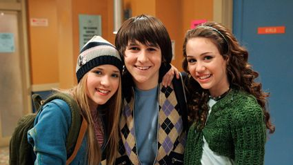 Oliver from 'Hannah Montana' is all grown up and looking VERY different!