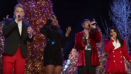 Jennifer Hudson performs spine-tingling Christmas classic with Pentatonix
