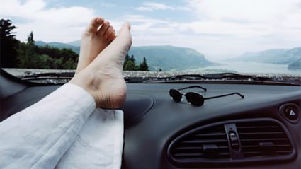 This is why resting with your feet on the dashboard when driving can result in serious injury...