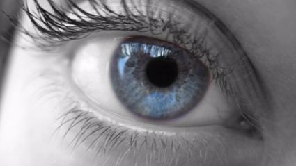 Apparently all blue eyed people have this one thing in common...