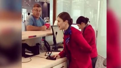 This Australian flight attendant singing Christmas carols to passengers will blow you away with her voice!
