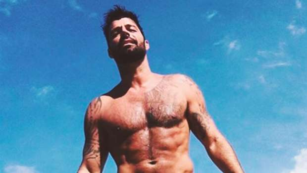 This nude picture of Ricky Martin has the Internet going loco!