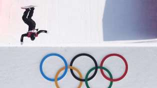 Kiwi snowboarder Zoi Sadowski-Synnott wins bronze at the Winter Olympics!