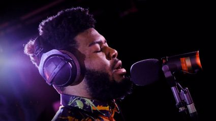 Khalid performs stunning acoustic rendition of Tracy Chapman's 'Fast Car'