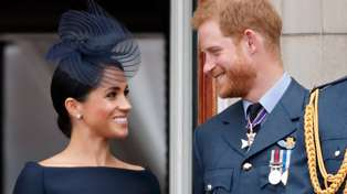 Prince Harry and Meghan Markle announce she's pregnant!