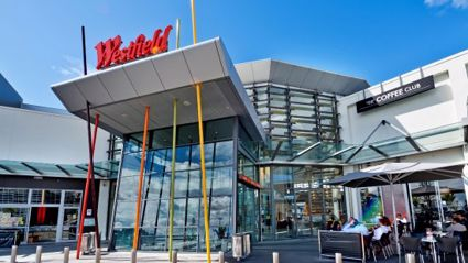 Auckland shopping mall evacuated after man held woman hostage with knife