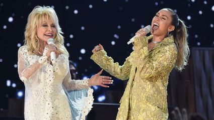Miley Cyrus and Dolly Parton wow with their powerhouse 'Jolene' duet at the Grammys!