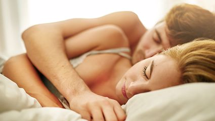 World Sleep Day: This is what your sleeping position with a partner says about your relationship ...