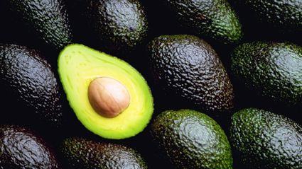 People are going nuts over this BIZARRE and hilarious new way to eat avocado ...
