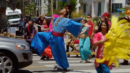 James Corden, Will Smith and Aladdin cast hilariously perform musical in the middle of the street!