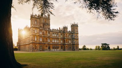 'Downton Abbey' fans can now stay in the actual castle from the beloved TV show