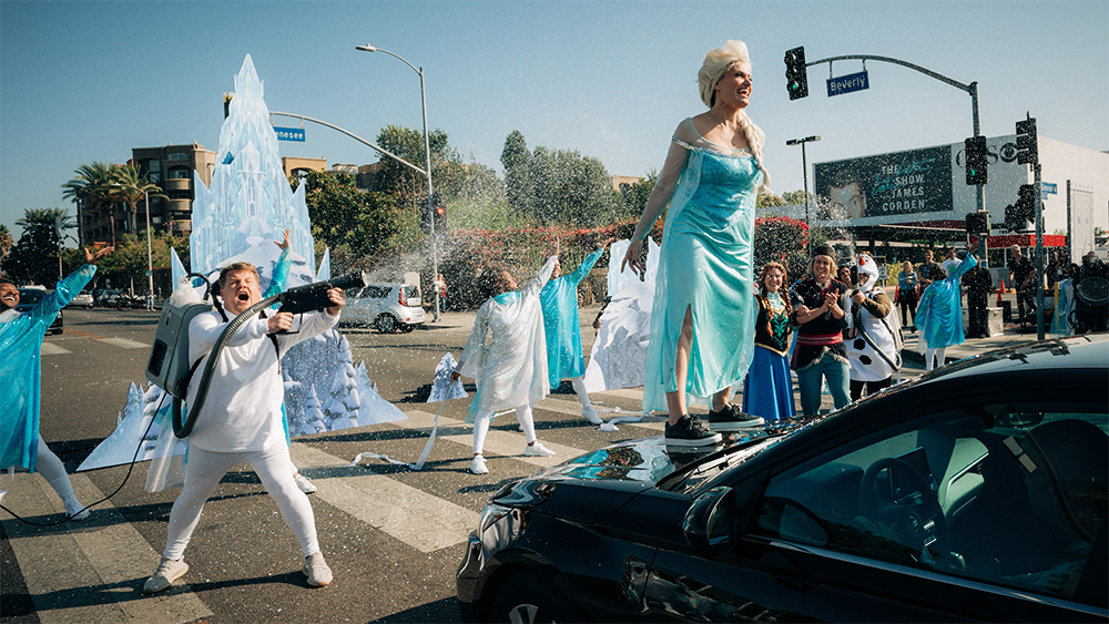 James Corden and 'Frozen' cast literally stop traffic with live musical ...