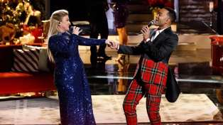 Kelly Clarkson and John Legend perform new version of 'Baby It's Cold Outside'