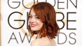 Emma Stone announces she just got engaged and her ring is absolutely stunning