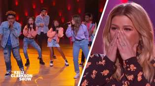 Kelly Clarkson gets blown away by adorable kid acapella group performing a medley of her hits