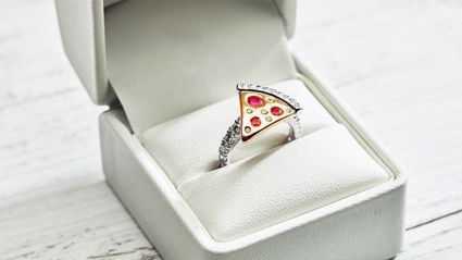 You can now get a pizza-themed engagement ring just in time for Valentine's Day