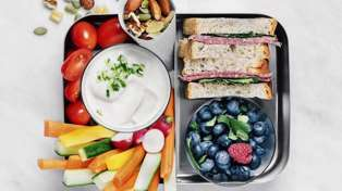 Here are some great lunchbox tips, tricks and hacks for busy families