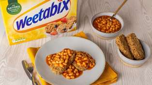 Brits ruin Kiwi classics with disturbing mash-up: Baked beans on Weetbix