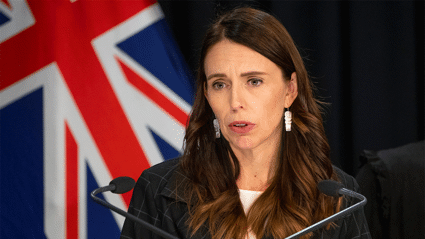 Prime Minister and Ashley Bloomfield give update on NZ's community cases, vaccine arrival