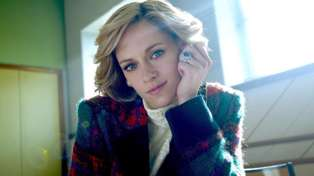 Kristen Stewart stuns as Princess Diana in new photo released from Spencer movie