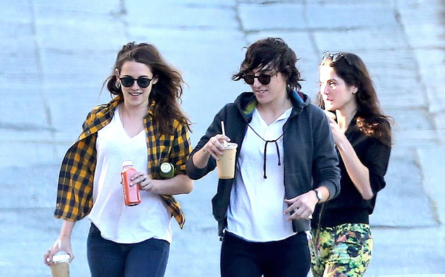 Kristen stewart dating alicia cargile