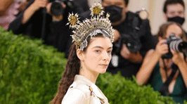 Kiwi singer Lorde and other stars show off their stunning looks at the 2021 MET Gala